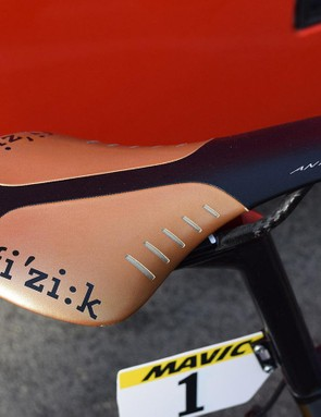 Fizik provides Van Avermaet with a matching black and gold Antares saddle
