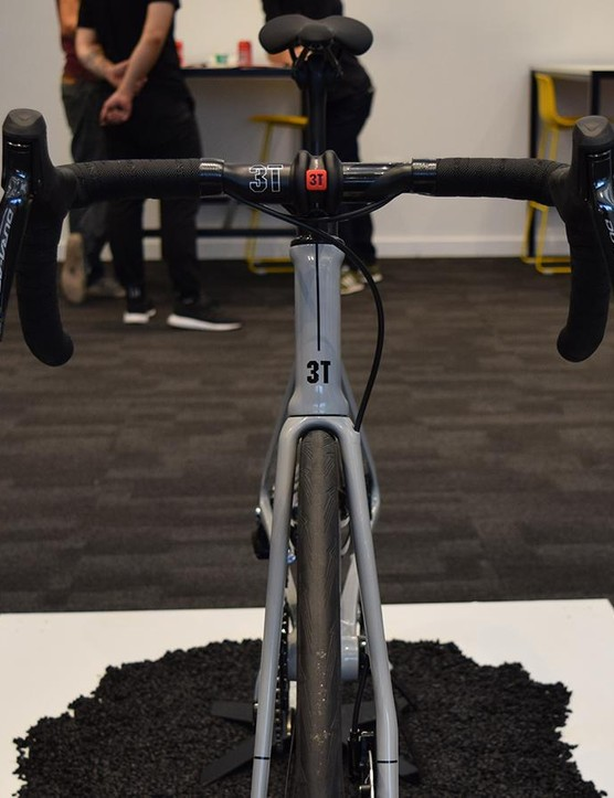 A look at the front end of the 3T Strada Due