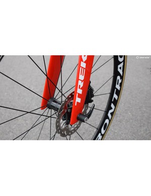 As with the majority of disc brake bikes, the new Madone uses thru-axles