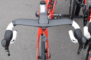 Stuyven opts for satellite shifters on the handlebar drops