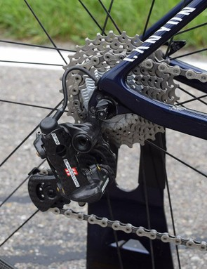 While Campagnolo recently released a 12-speed groupset, both Movistar and Lotto-Soudal have stuck with Campagnolo Super Record EPS 11-speed groupsets at recent races and the Tour de France