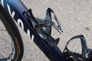 Movistar opts for the lightweight Elite Vico Carbon bottle cages