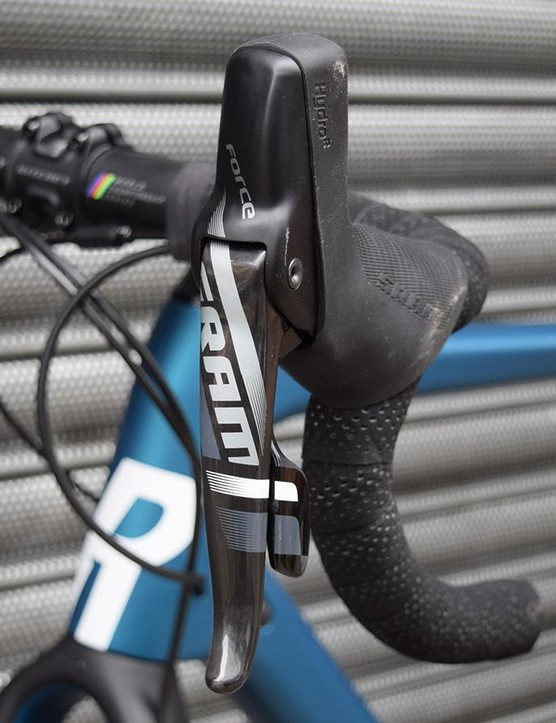A closer look at the brake/shift levers