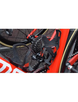 BMC rode with the slick looking Elite Vico Carbon bottle cages