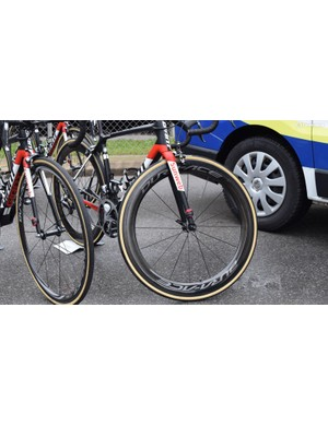Warren Barguil opted for deep section 60mm rims, despite the hilly terrain of stage 1