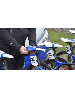 FDJ mechanics attached clip-on Zefal Shield Lite mudguards to protect the riders from road spray