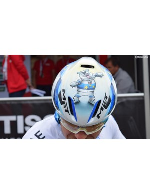 Kristoff also has a custom painted helmet with an angry polar bear wearing his jersey