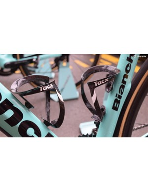 The Tacx Uma Carbon bottlecages on the Lotto-JumboNL bikes weigh just 19 grams each