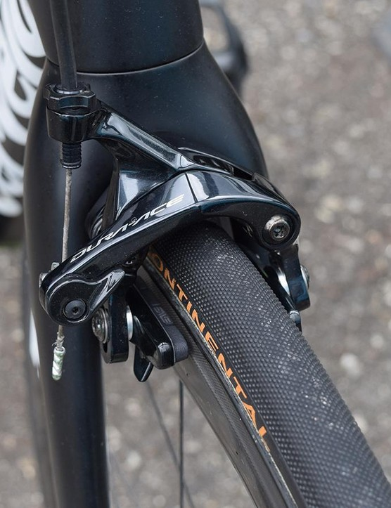 ENVE provides Dimension Data with carbon-specific brake pads to be used with its wheels