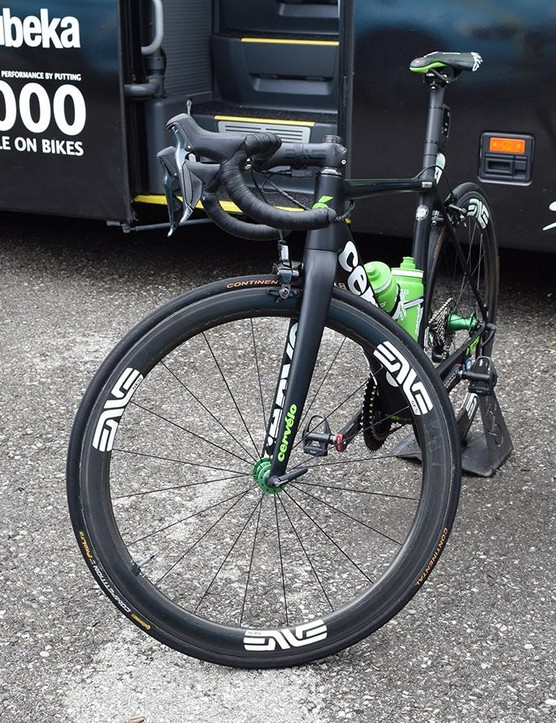 A look at the front end of Vermote's bike