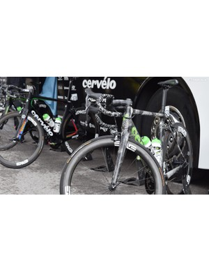 Dimension Data continues to race and test the new Cervélo R5
