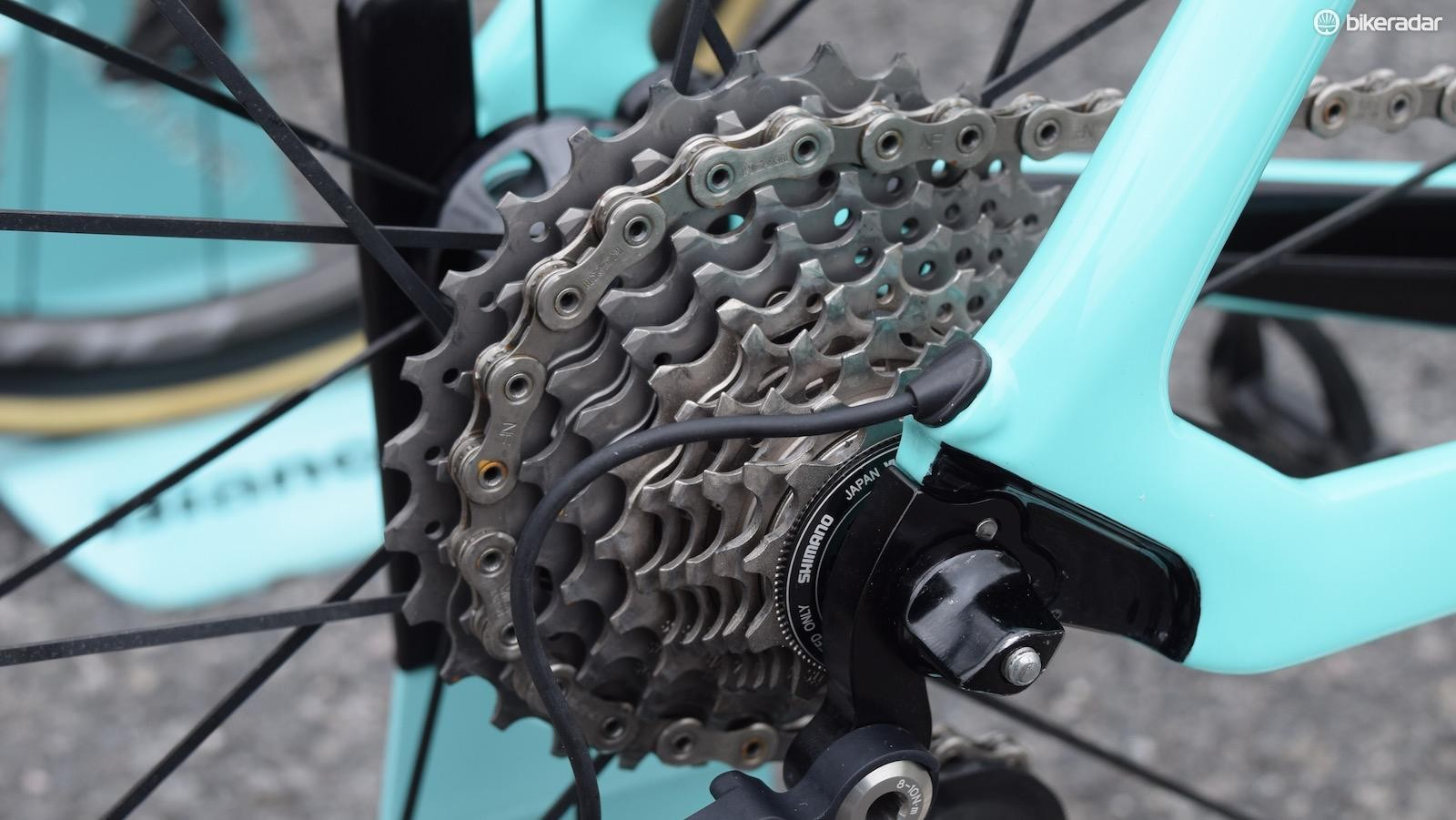 While some WorldTour riders opt for Shimano Ultegra chains and cassettes, Roglič has gone for Dura-Ace components