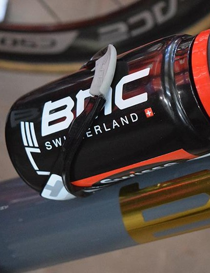BMC Racing opts for Elite Cannibal bottle cages for the first cobbled Classic of 2018