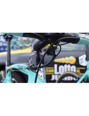 Shrinkwrap keeps the electronic Di2 cables in place