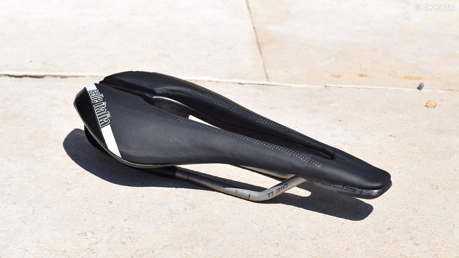 Selle Italia's SP-01 Boost Superflow road saddle