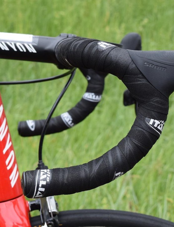 Zakarin runs a 140mm stem with a significant negative angle