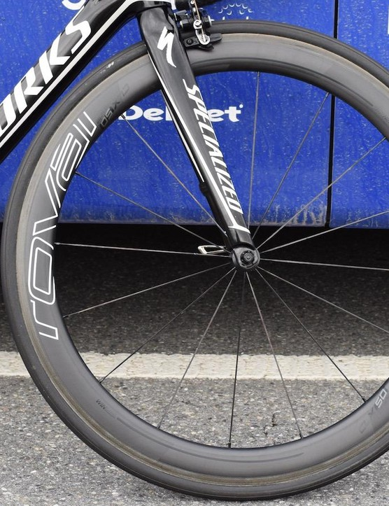 The 50mm rims offer a compromise between weight and aerodynamics
