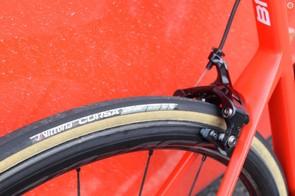 The 25mm Vittoria Corsa tubular gumwall tyres are popular in the WorldTour peloton