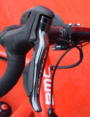 A closer look at the brake/gear levers