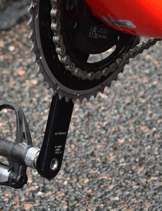 Contador's Emonda features Shimano Dura-Ace 9000 series cranks and pedals