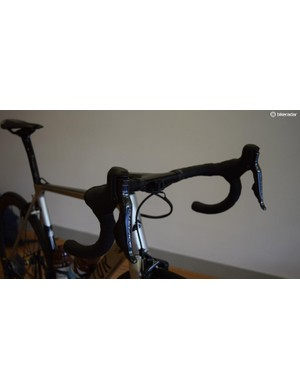 Shimano Dura-Ace R9150 levers for braking and shifting