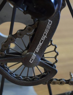 The jockey wheels are hollow, titanium and 3D-printed