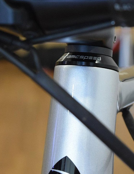 A closer look at the CeramicSpeed headset