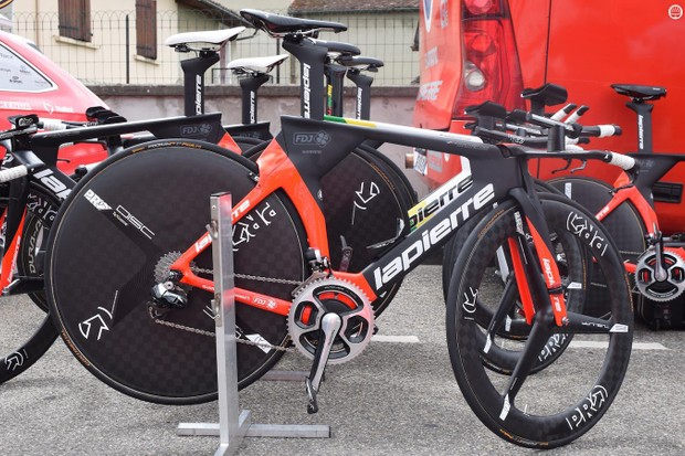 FDJ are equipped with Lapierre Aerostorm TT bikes
