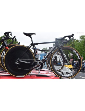 Nacer Bouhanni's spare bike was a regular Orca road bike albeit with a HED Stinger rear wheel
