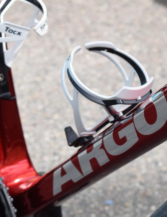 The decals feature on the forks and most prominantly on the down tube