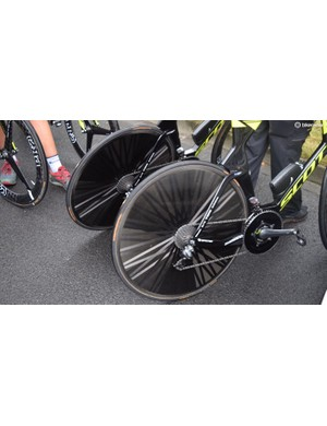 The entire Orica-Scott team ran Lightweight Autobahn rear wheels, as they also did at the Criterium du Dauphine
