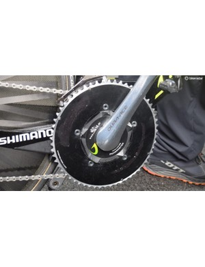 Damien Howson ran a blacked-out 56t chainring, which appears to be an old Vision Trimax