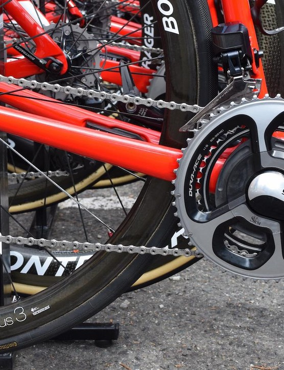 Contador ran a hybrid groupset of both 9000 and 9100 series Shimano Dura-Ace