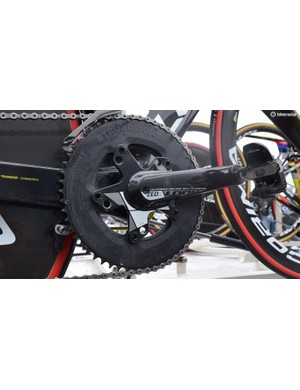 A 58t Stronglight chainring was paired with LOOK's Zed2 crankset