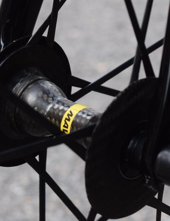 A close look at the front hub of the Mavic Cosmic wheels
