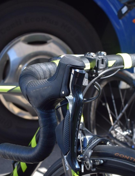 Yates' bike is equipped with Shimano's Dura-Ace R9150 shifters