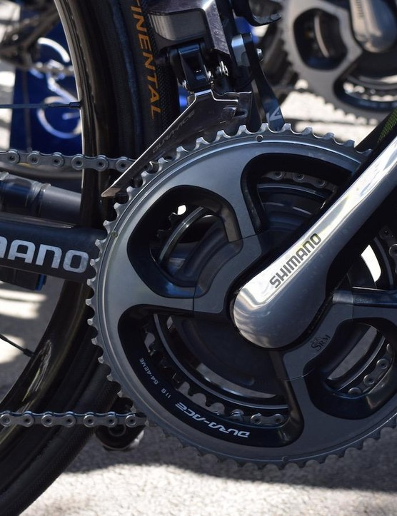 For the flatter stages Yates opts for 54/42t chainrings