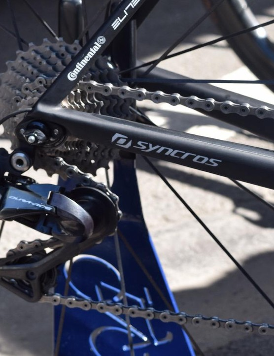 The Addict is paired with Shimano Dura-Ace R9150 derailleurs front and rear
