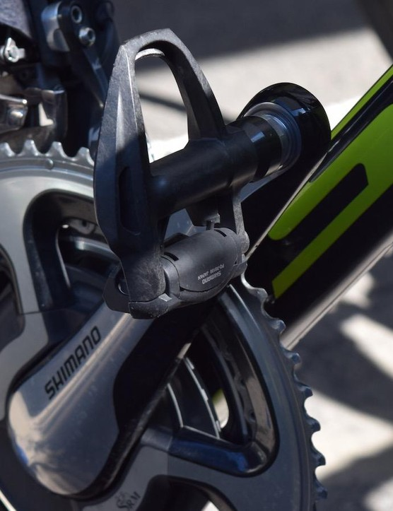 While some teams are still getting use out of their Shimano Dura-Ace 9000 series pedals, Yates runs the new 9100 series version