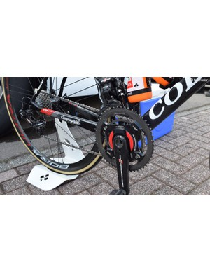 Standard 53/39t chainrings and a Power2Max power meter for Meintjes