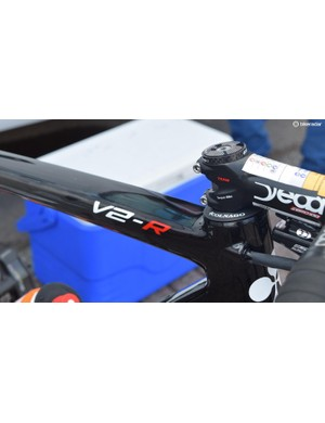 Gear and brake internal routing via the top tube