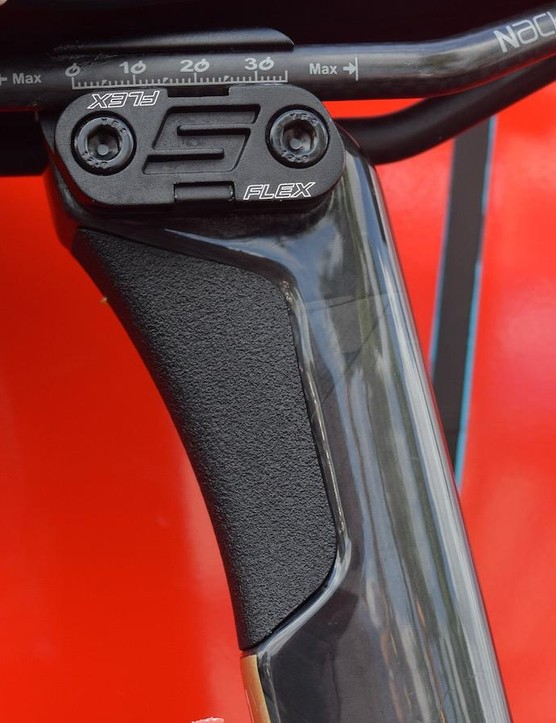 The S-Flex seatpost features a silicone rubber insert, similar to Specialized's Zertz inserts