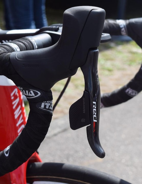 The hood shape is new from SRAM for the groupset, allowing the hyrdraulic system but without the mechanical shifting components