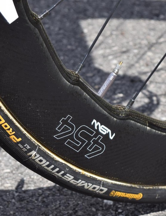 This is the first time we have seen tubular versions of the Zipp 454 NSW wheels