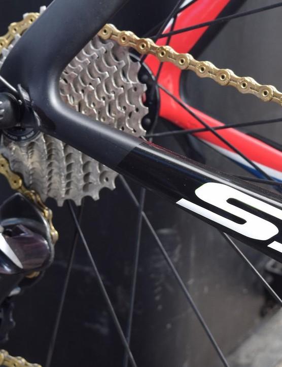Shimano Dura-Ace 9070 provides the shifting