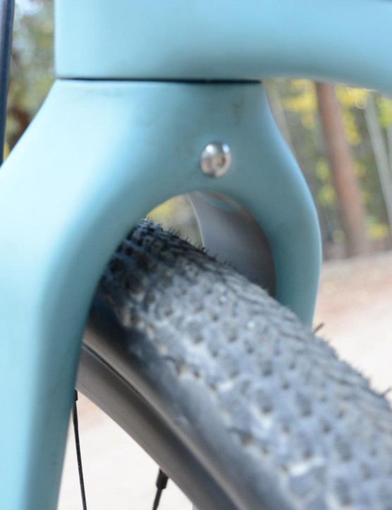A bolt on the back of the fork crown makes fender installation simple