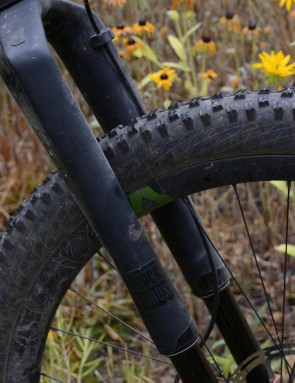 Up front, the 120mm RockShox RS1 was overwhelmed by the wide, tough rims and slack head angle