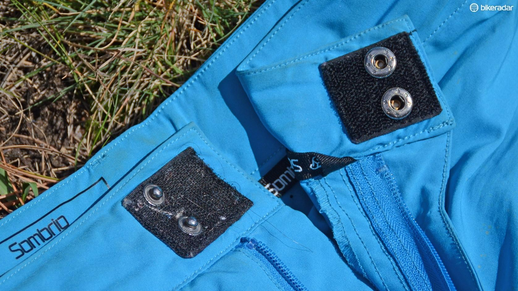 The dual snaps surrounded by Velcro ensure the waist shouldn't come undone