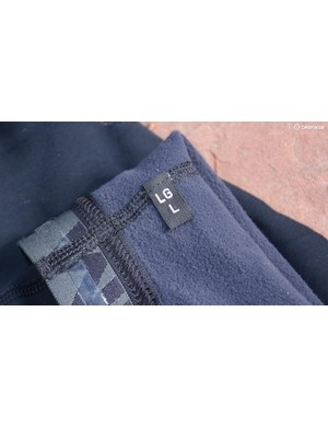 The Elite Thermal arm warmers have a bit of shaping, hence the L and R