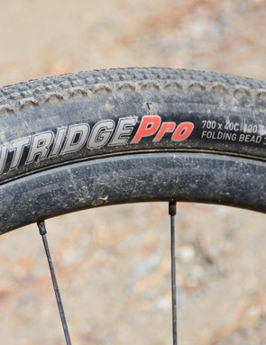 The Flintridge Pro features Kenda's dual-tread compound and sealant-compatible tubeless casing